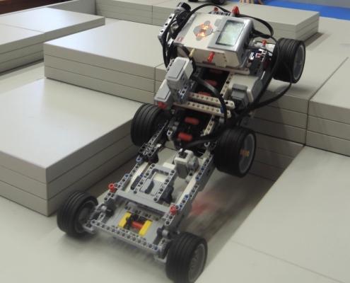 Na horský masiv se robot vyšlhal pomocí pásů