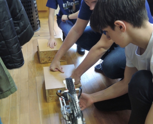 Přestávka na doladění robotů
