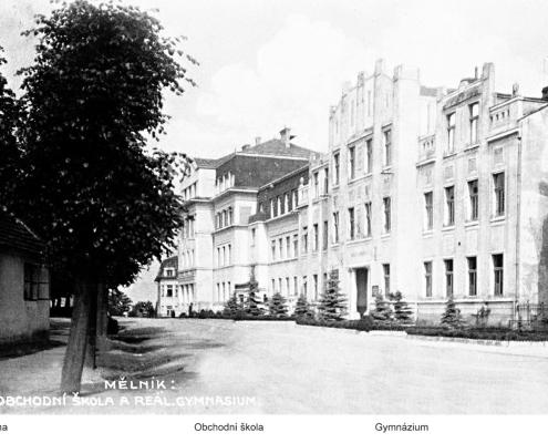Pohled na původní budovu gymnázia