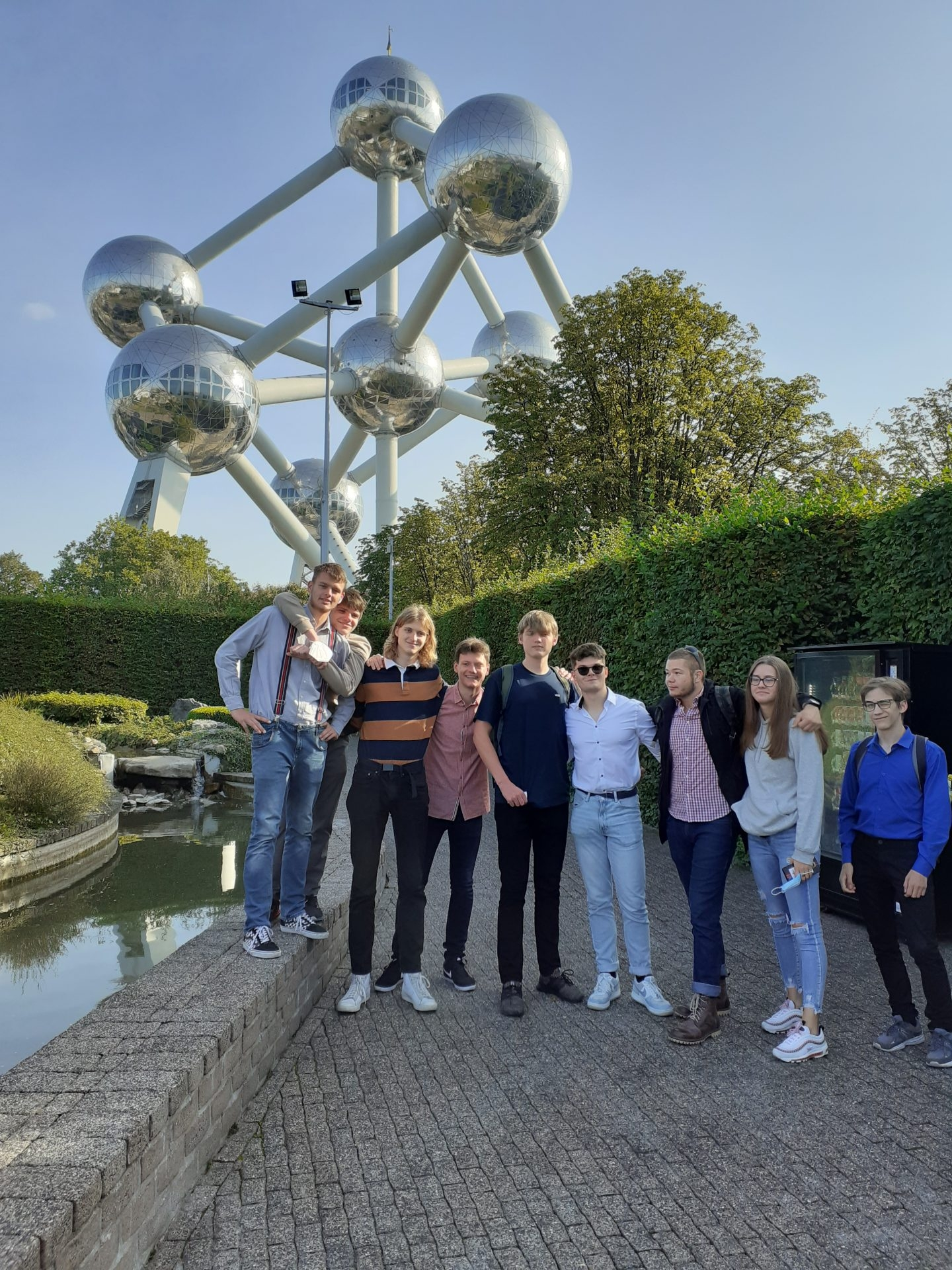 Pohled z Mini-Europa na Atomium